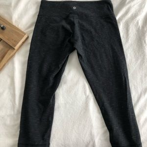 Lululemon crops size 8. Great condition.